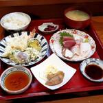 味どころ 撰 - 料理写真:ランチ(お刺身盛合せと天ぷら盛合せ)
