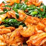 水炊き風もつ鍋 もつ彦 - バラキムチ ご飯が最高似合います