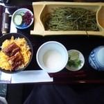 カフェ三菓亭 - ☆うなぎととろろ茶そばセット☆