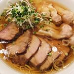 中華そば すずらん - 叉焼雲呑麺