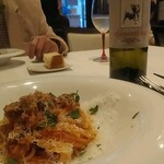 Vino Bar Due - トマトベースのパスタ。