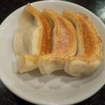 天鴻餃子房 - 半  黒豚餃子