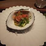 148069918 - 赤貝のマリネ。マンゴービネガーが良い具合に効いてます。
