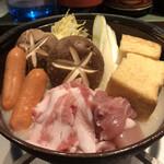 串焼き ごっち - 肉は鶏ももと豚バラ。チョリソと厚揚げも追加