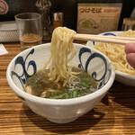 麺鮮醤油房 周月 - つけ麺リフトアップ