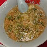ラーメン山岡家 - スープのアップ。