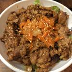 米牛 - カルビ丼肉大盛