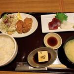 新宿 inton - コンビランチ(本日の刺身、ヒレカツ)