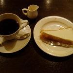 自家焙煎珈琲舎アポ - レアチーズケーキセット(580円:税込み)