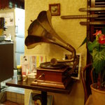 自家焙煎珈琲舎アポ - 蓄音機