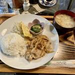 ユニ・カフェ - 料理写真:豚肉の甘辛…なんちゃら
