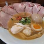 麺屋 貝原 - 料理写真:貝醤油チャーシュー,煮玉子