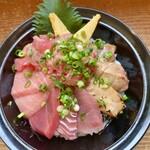 148116107 - 鮪三昧丼(本鮪中トロ、本鮪赤身、キハダ鮪たたき、鮪漬け炙り、鮪すき身)