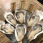 カキ酒場 北海道厚岸 - マルエモン3種食べ比べ フォトジェニック過ぎる!