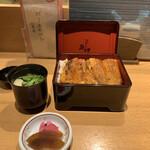 炭焼きうなぎの魚伊 - 鰻重