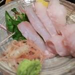 Kushina - 本日のお刺身550円、これに日本酒は山川光男715円