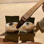 中島康三郎商店 - たいらぎには自分で醤油を塗り塗り