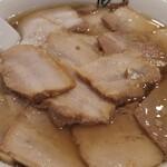 喜多方ラーメン 坂内  - 料理写真:坂内さんの焼豚ラーメンを大盛で頂きました。