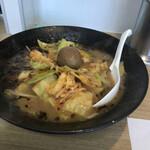 ラーメン新世 - 料理写真:キャベツラーメン
