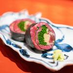 肉屋 田中 - 40ヶ月神戸牛の昆布締めの巻物  茗荷、生姜