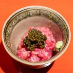 肉屋 田中 - 神戸牛のイチボの松前漬け オシェトラキャビア シャリ