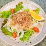 八剣伝 - 新玉葱のサラダ