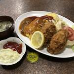 Tomipatotsu - オムライスとカキフライ1,200円(税込)