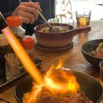 イベリコ豚おんどる焼 裏渋屋 - イベリコ豚炙りコンフィ丼