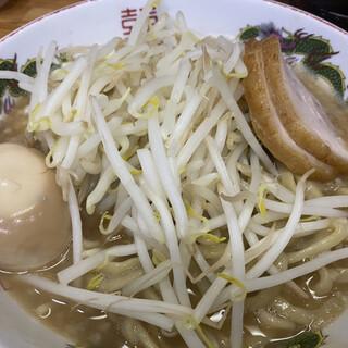 ラーメン神豚 - 料理写真:小ラーメン味玉付き、ニンニクコール