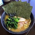杉田家 千葉店 - ラーメン730円麺硬め。海苔増し90円。