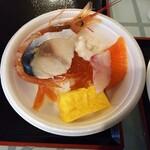 148188813 - オリジナル海鮮丼(サーモン、シメサバ、赤海老、いくら、白子など)