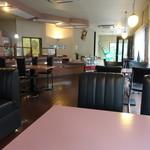癒しの森 喫茶 - 店内の様子 のんびり出来ます。