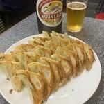 148203357 - 餃子とビール(大)