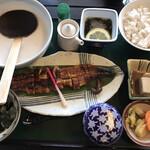 自然薯 茶茶 - うなとろ御膳:とろろ・もずく酢・麦飯・鰻蒲焼・自然薯豆腐・薬味・茶碗蒸・香の物