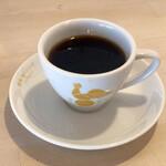 喫茶モーニング - お代わり珈琲はカップを持って一階レジで入れてもらいます 階段は急なので慎重に