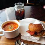 ザ シティ ベーカリー バー アンド バーガー ルービン - ハンバーガー スープセット