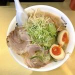 ごっつ - しょうゆ味玉ラーメン(870円)