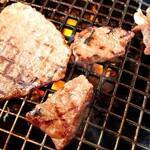 炭火焼肉やまがき -
