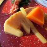 利き蕎麦 存ぶん - 「竹の子・蕗・人参の煮物」