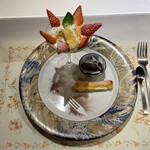 ル・ポティロン - デザートは4種類から選べます