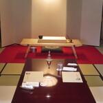 fukuyoshi - お鮨を握るまな板が鎮座