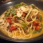 14827939 - スープペペロンチーノ。洋風担々麺の様相。