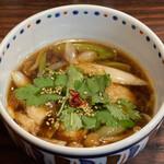 らー麺 あけどや - 限定麺 大山どり南蛮つけ麺のスープ