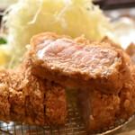 Nomotoya - 【8食限定】特選厚切りロースかつ定食(240g)