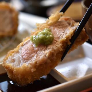 のもと家 - 料理写真:【8食限定】特選厚切りロースかつ定食(240g)