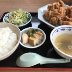 中華飯店萬龍軒 - 料理写真:唐揚げ定食