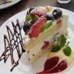 カフェ コットンクラブ - フルーツのショートケーキ