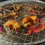 炭火焼肉 明石魚の棚 肉焼屋 - 頑張れマルチョウ 頑張れセンマイ(笑)