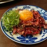 炭火焼肉 明石魚の棚 肉焼屋 - ハラミユッケ