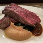 Passo a Passo - 馬肉ロースト、ヒレ肉、もも肉、赤ワインソース